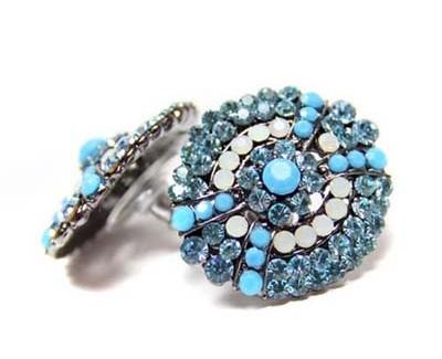 时尚饰品 蓝色魅力带来清爽海洋风