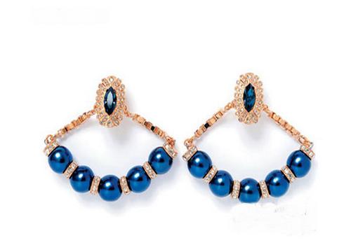 婚礼上珠宝表与配饰的搭配秘笈