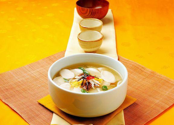 韩国新年一定要吃的年糕汤